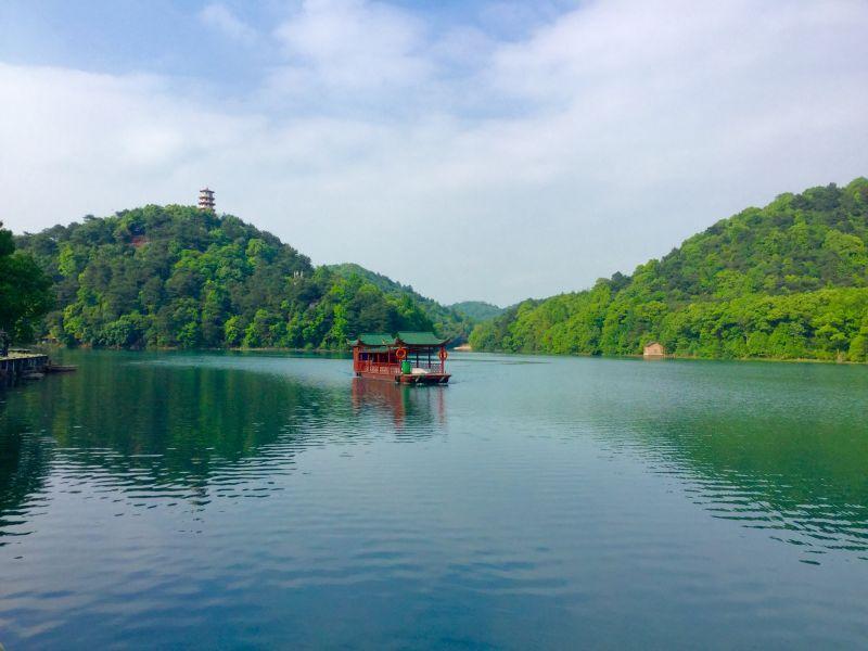 石燕湖景区积极响应政府号召,做好迎接五一措施