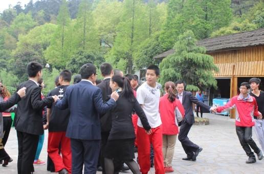 长沙县县长及长沙旅游的主管领导一行考察石燕湖