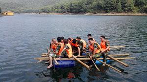 湘电集团畅游石燕湖