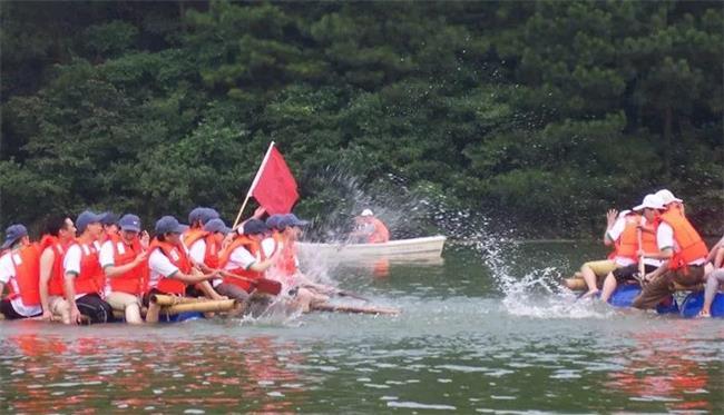 """石燕湖""""背水一战""""一天主题拓展 夏季清凉团建正确打开方式!"""