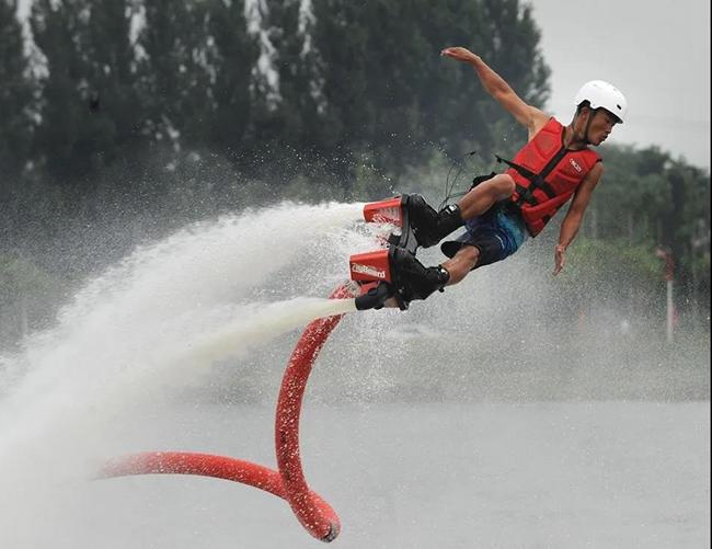 长沙遛娃好去处丨打卡万只风车长廊,更有水上飞人表演,趣味运动会嗨翻五一!