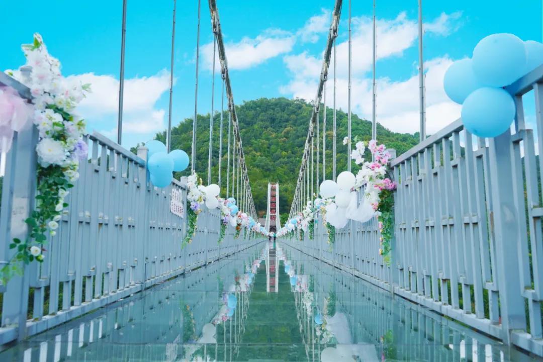 99元限时抢石燕湖1大1小国庆早鸟票,体验家门口跨岛天空玻璃桥!