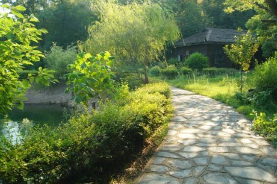 石燕湖——迷人的湖边游道