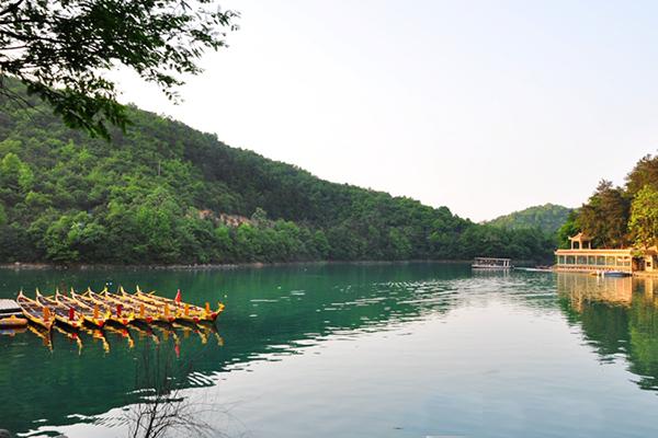 打造绿心石燕湖·创建AAAA级景区