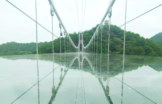 全球10万征名!石燕湖诚邀百位牛郎织女体验长沙首座玻璃桥