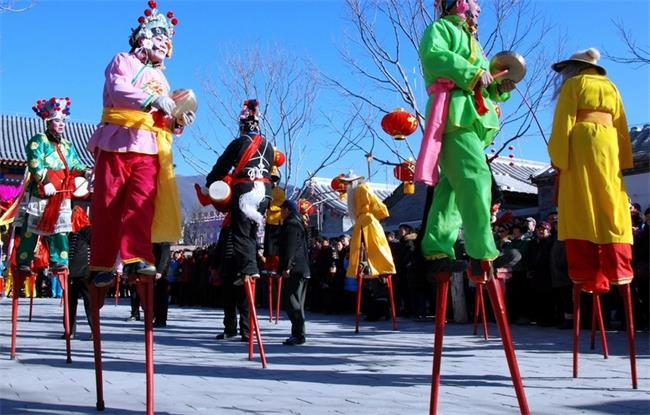 """@长株潭 2019春节假期出游去哪里?看家门口的玻璃桥和""""佩奇""""一起欢乐过大年!"""