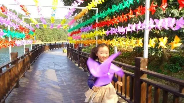 石燕湖第三届风车节即将开幕!春季长沙踏青跟团一日游价格行程请收藏!