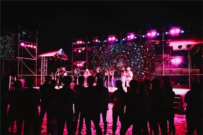 长沙晚上有什么好玩的地方?电音派对、泼水漂流,夜晚释放压力尽情嗨!