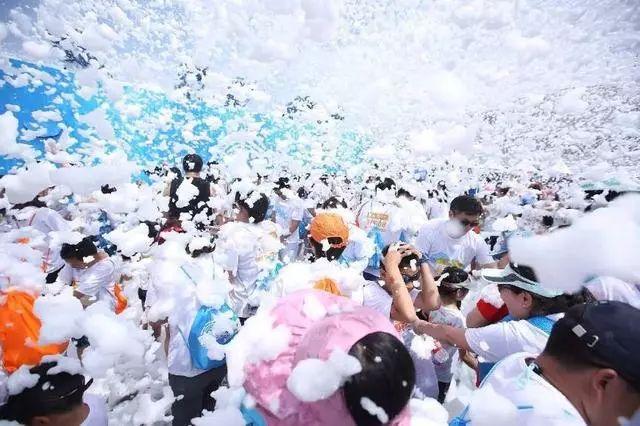 石燕湖泡泡狂欢节来了!梦幻魔术,亲子互动,带上孩子来冒泡!