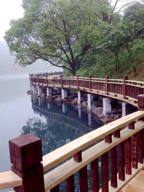 石燕湖景区一角