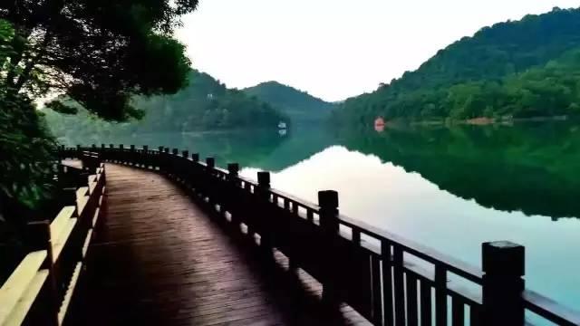 石燕湖沿湖游道